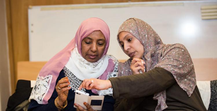 2 Muslim Women