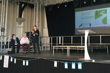 Staff member speaking at  testbed presentation at Wakefield
